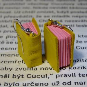 Yellow - pink book